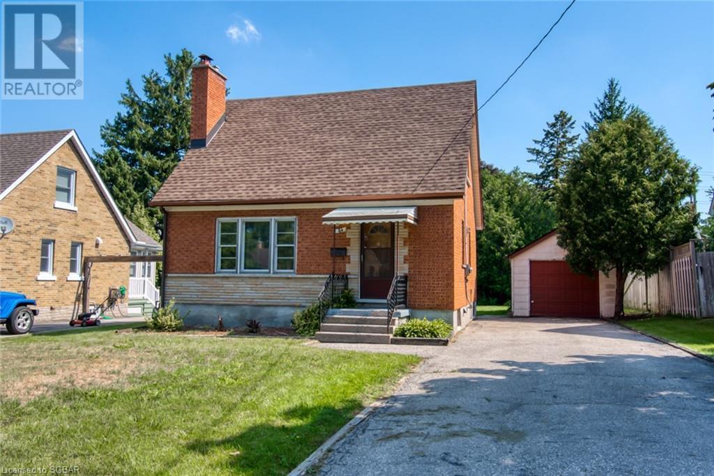 84 Hillcrest Avenue, Waterloo, Ontario  N2L 2J1 - Photo 1 - 40149148