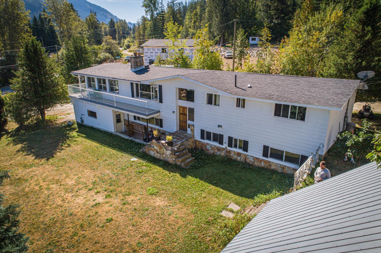 2402 Silver King Road, Nelson, British Columbia  V1L 1C9 - Photo 1 - 2454187