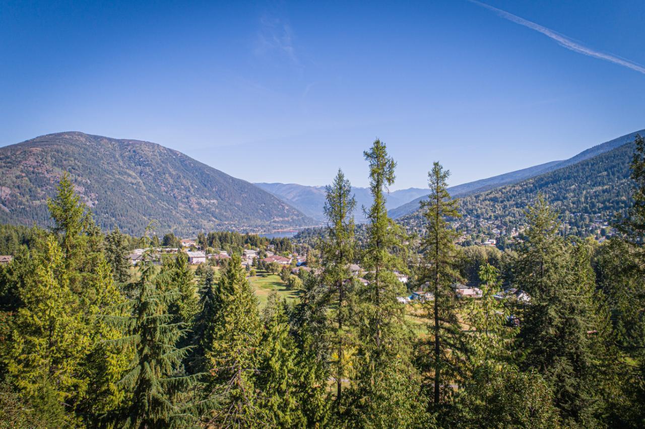 2402 Silver King Road, Nelson, British Columbia  V1L 1C9 - Photo 12 - 2454204