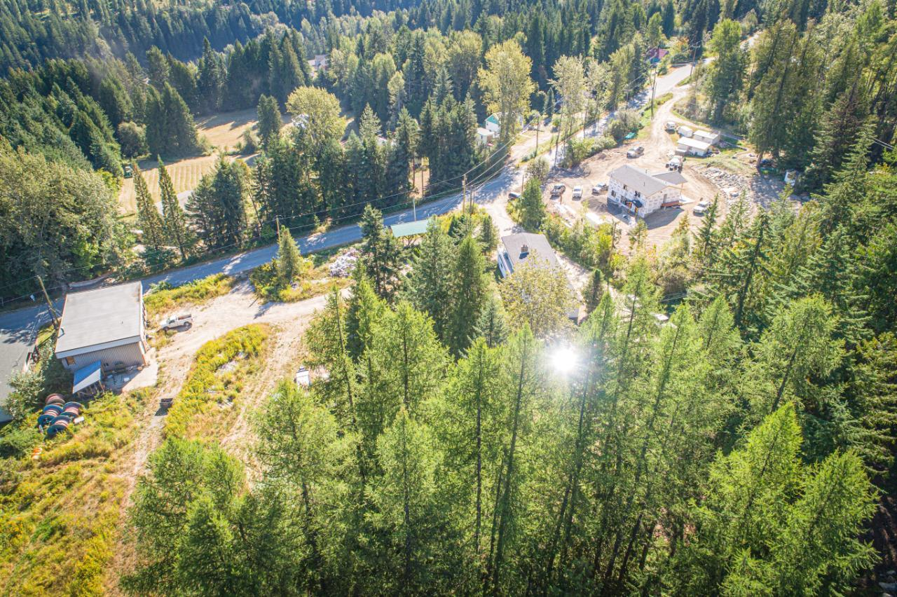 2402 Silver King Road, Nelson, British Columbia  V1L 1C9 - Photo 7 - 2454204