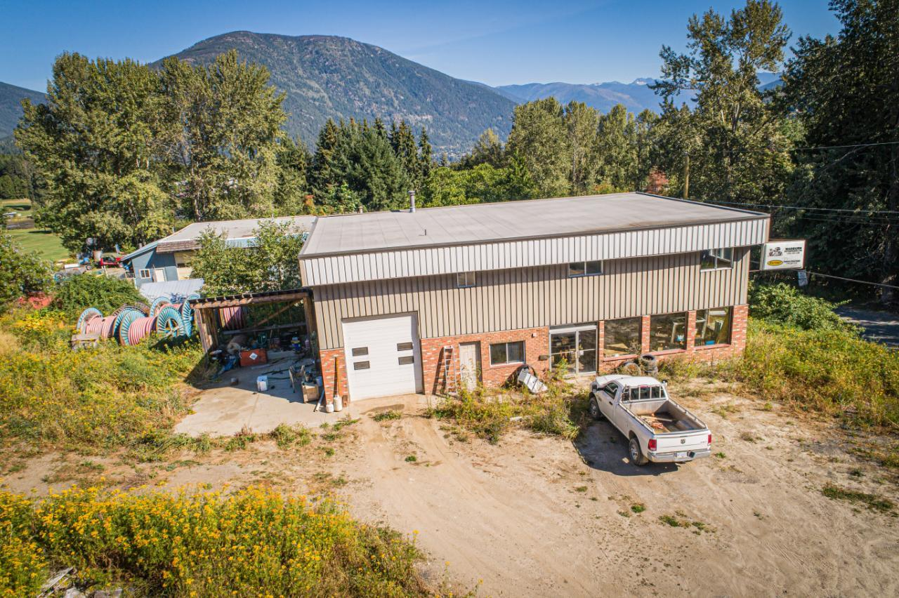 2402 Silver King Road, Nelson, British Columbia  V1L 1C9 - Photo 4 - 2454204