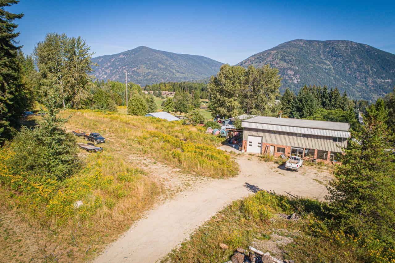 2402 Silver King Road, Nelson, British Columbia  V1L 1C9 - Photo 3 - 2454204