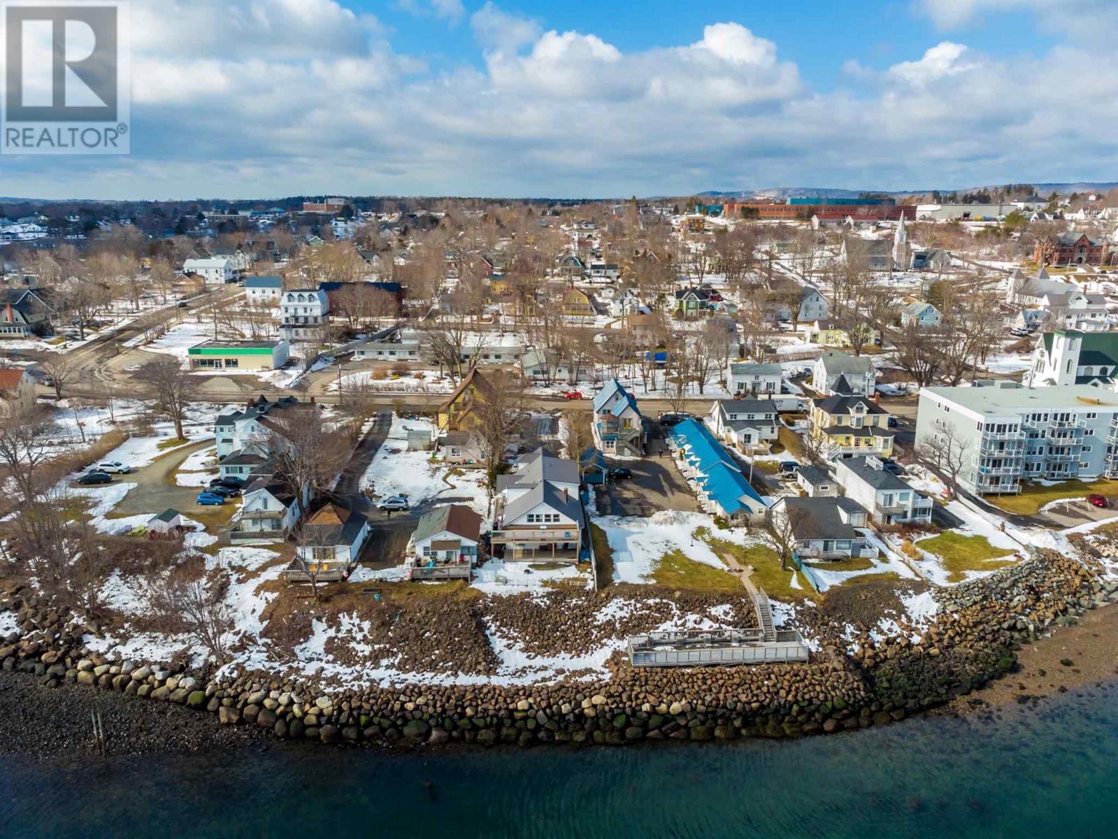 88 Montague Row, Digby, Nova Scotia  B0V 1A0 - Photo 2 - 202103205