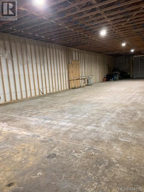 MLS® #884310 - Sayward Warehouse For lease Image #10