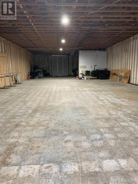 MLS® #884310 - Sayward Warehouse For lease Image #4