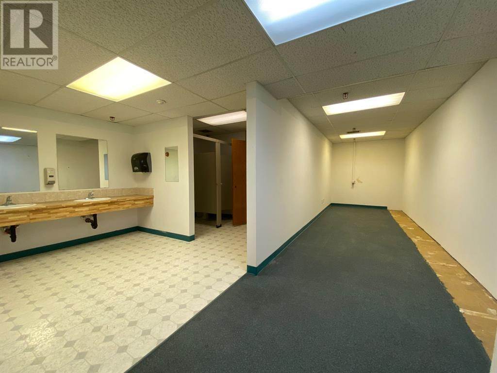 Upper South Suite, 410 South Railway Street Se, Medicine Hat, Alberta  T1A 2V5 - Photo 11 - A1138918
