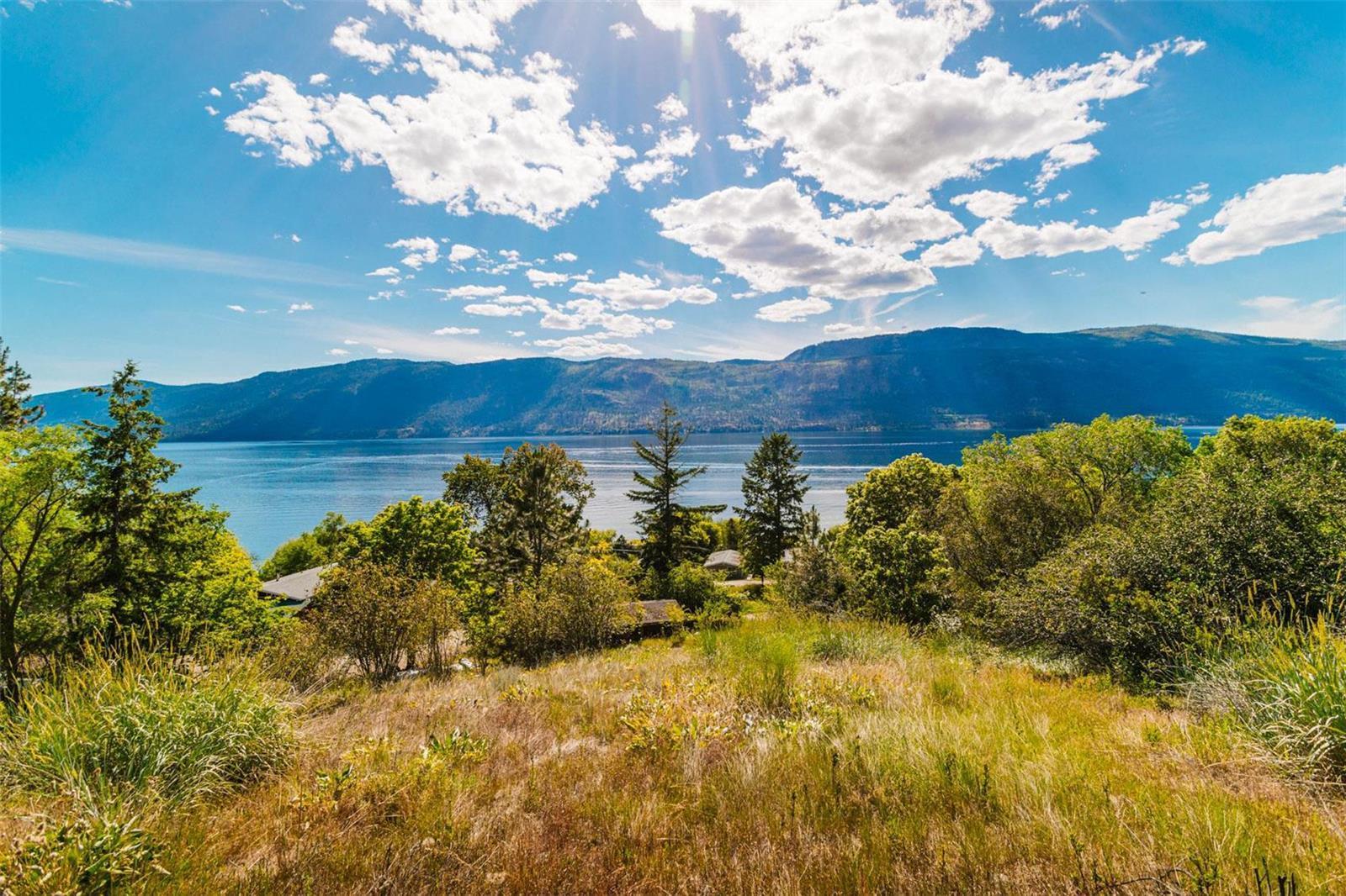 12815 Pixton Road, Sw, Lake Country, British Columbia  V4V 1C9 - Photo 8 - 10238768