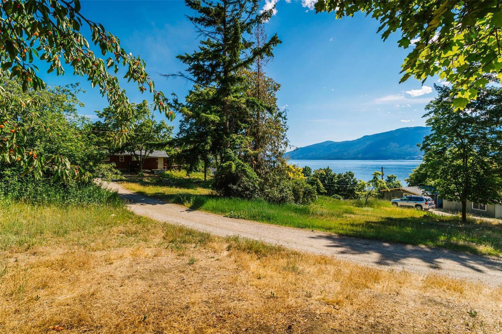 12815 Pixton Road, Sw, Lake Country, British Columbia  V4V 1C9 - Photo 1 - 10238768