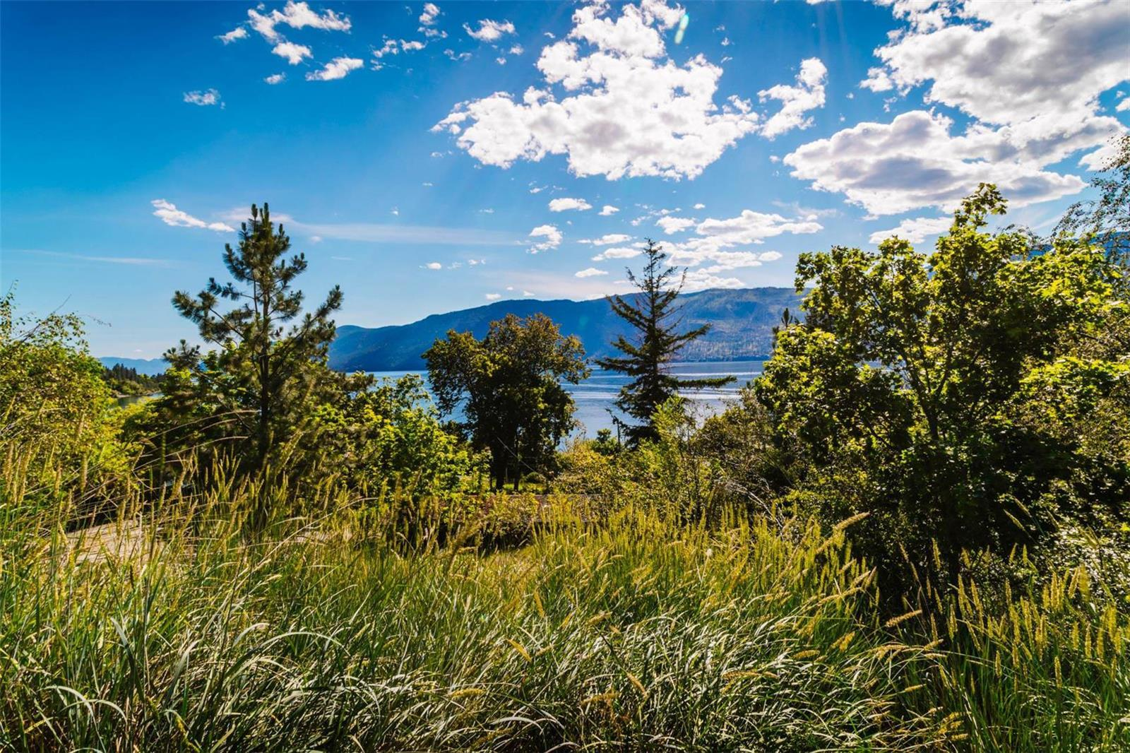 12815 Pixton Road, Sw, Lake Country, British Columbia  V4V 1C9 - Photo 5 - 10238768