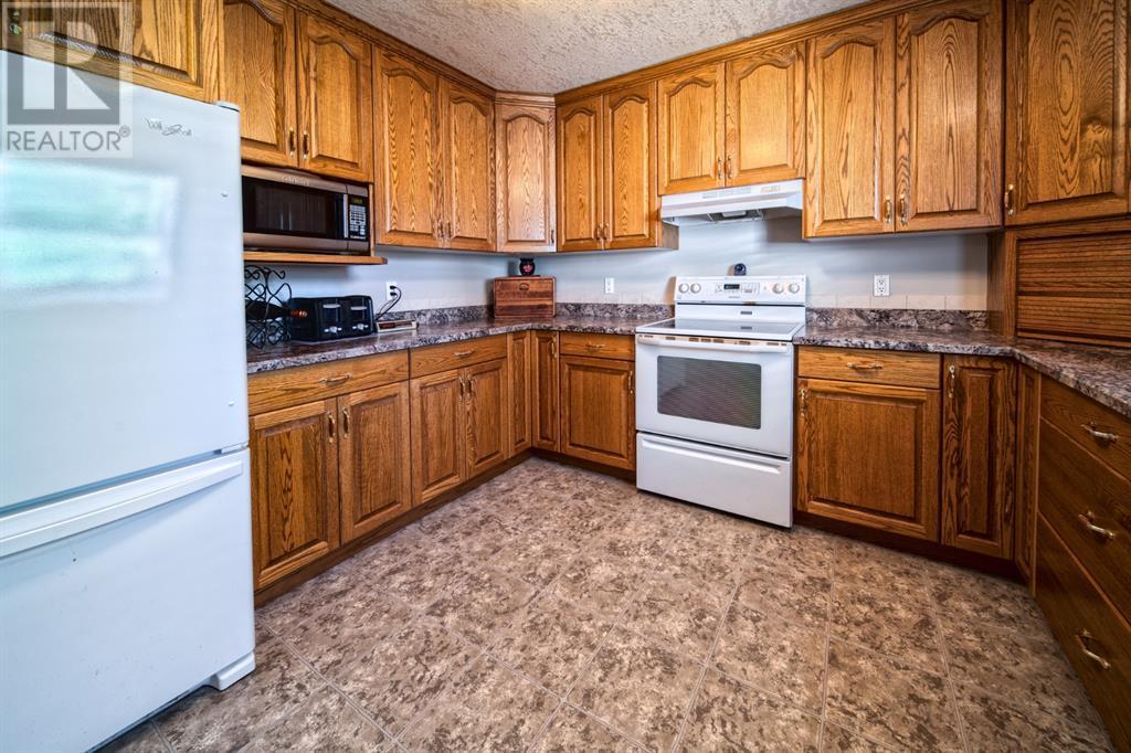 1038 16 Avenue, Wainwright, Alberta  T9W 1E5 - Photo 17 - A1139447