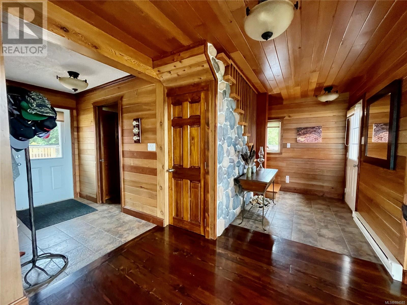 MLS® #884585 - Ucluelet House For sale Image #10