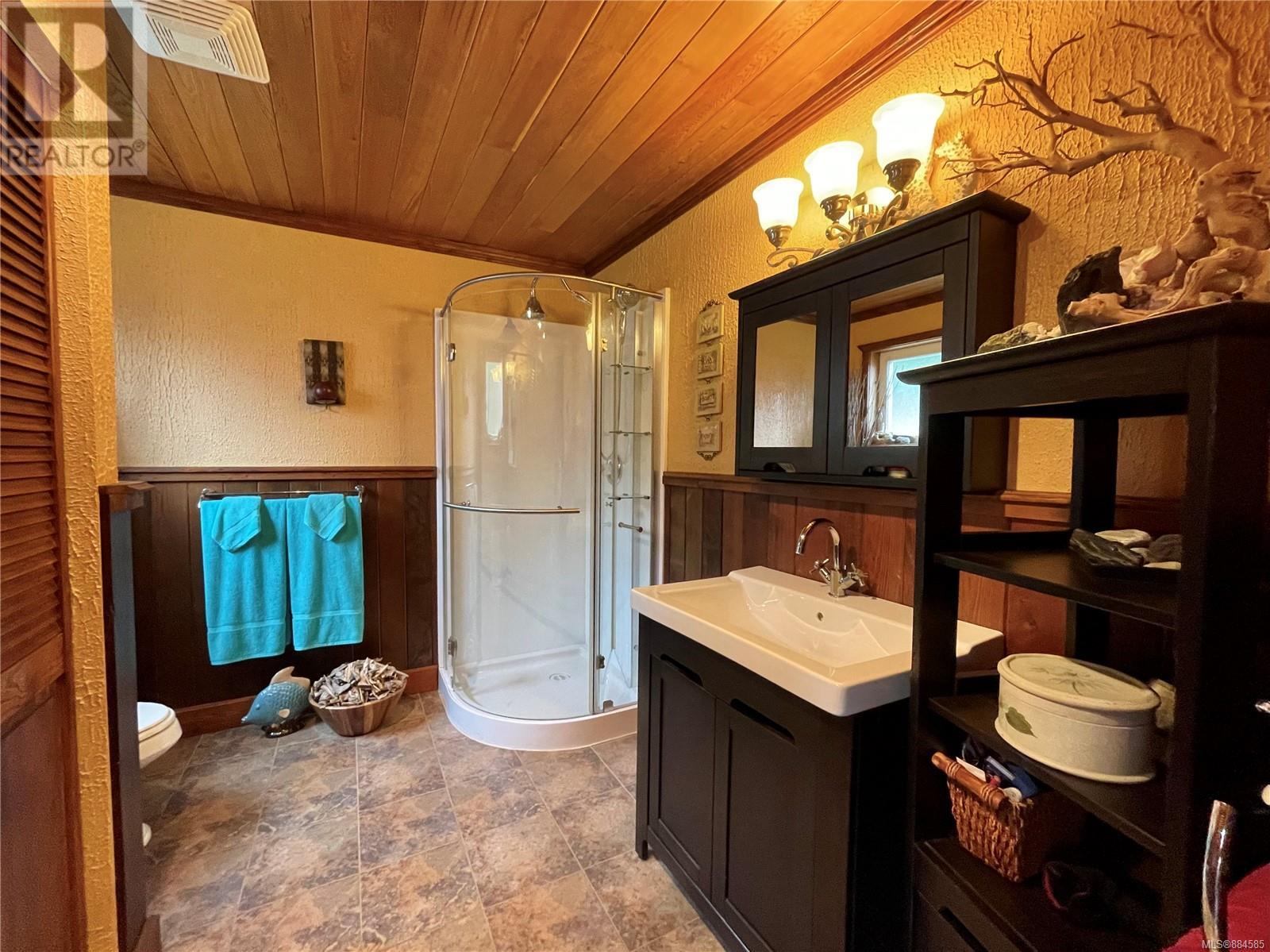 MLS® #884585 - Ucluelet House For sale Image #11