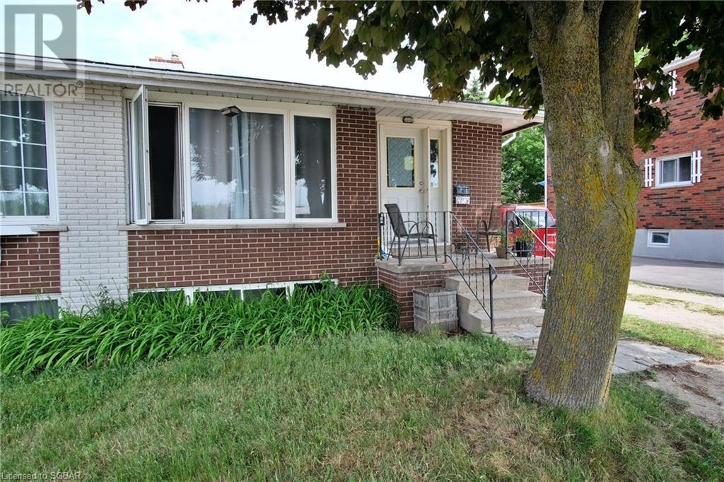 423 Ontario Street, Collingwood, Ontario  L9Y 4B9 - Photo 2 - 40156427