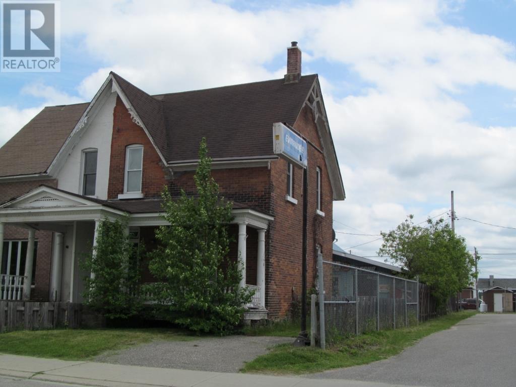27 Beech St E, Chapleau, Ontario  P0M 1K0 - Photo 1 - SM132584