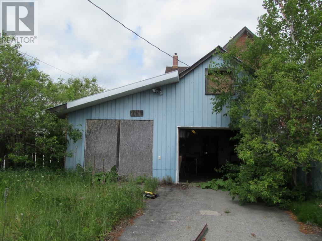 27 Beech St E, Chapleau, Ontario  P0M 1K0 - Photo 3 - SM132584