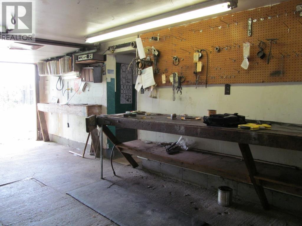27 Beech St E, Chapleau, Ontario  P0M 1K0 - Photo 4 - SM132584