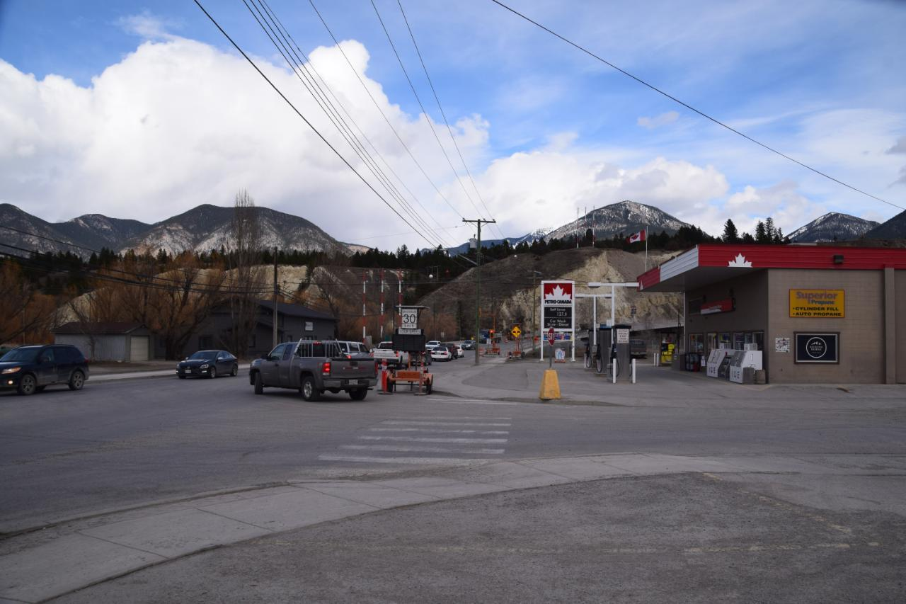 205 Laurier Street, Invermere, British Columbia  V0A 1K0 - Photo 12 - 2457408