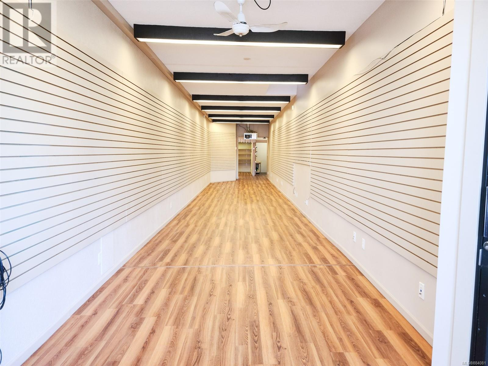 MLS® #884081 - Campbell River Retail For lease Image #2