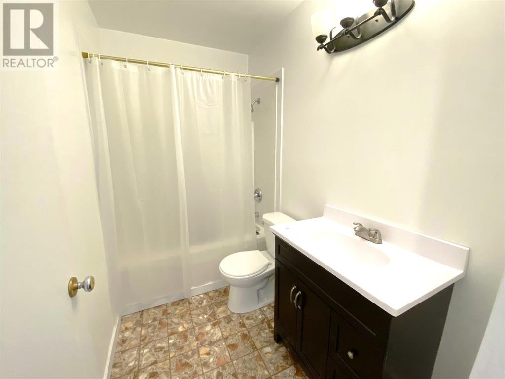 Property Image 11 for 4628 52 Street