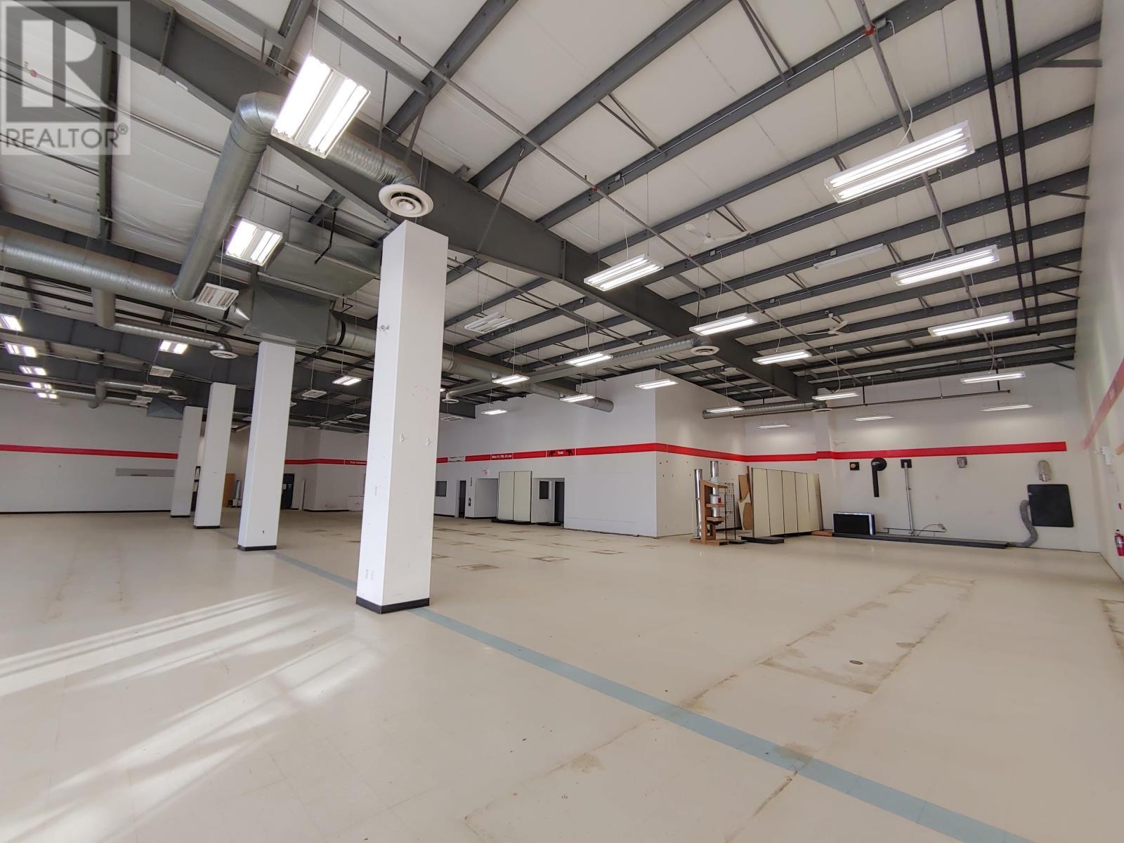 10020 93 Avenue, Fort St. John (Zone 60), British Columbia  V1J 5J5 - Photo 1 - C8027532