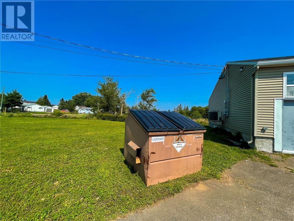 328 Main St, Sackville, New Brunswick  E4L 3H6 - Photo 7 - M136914