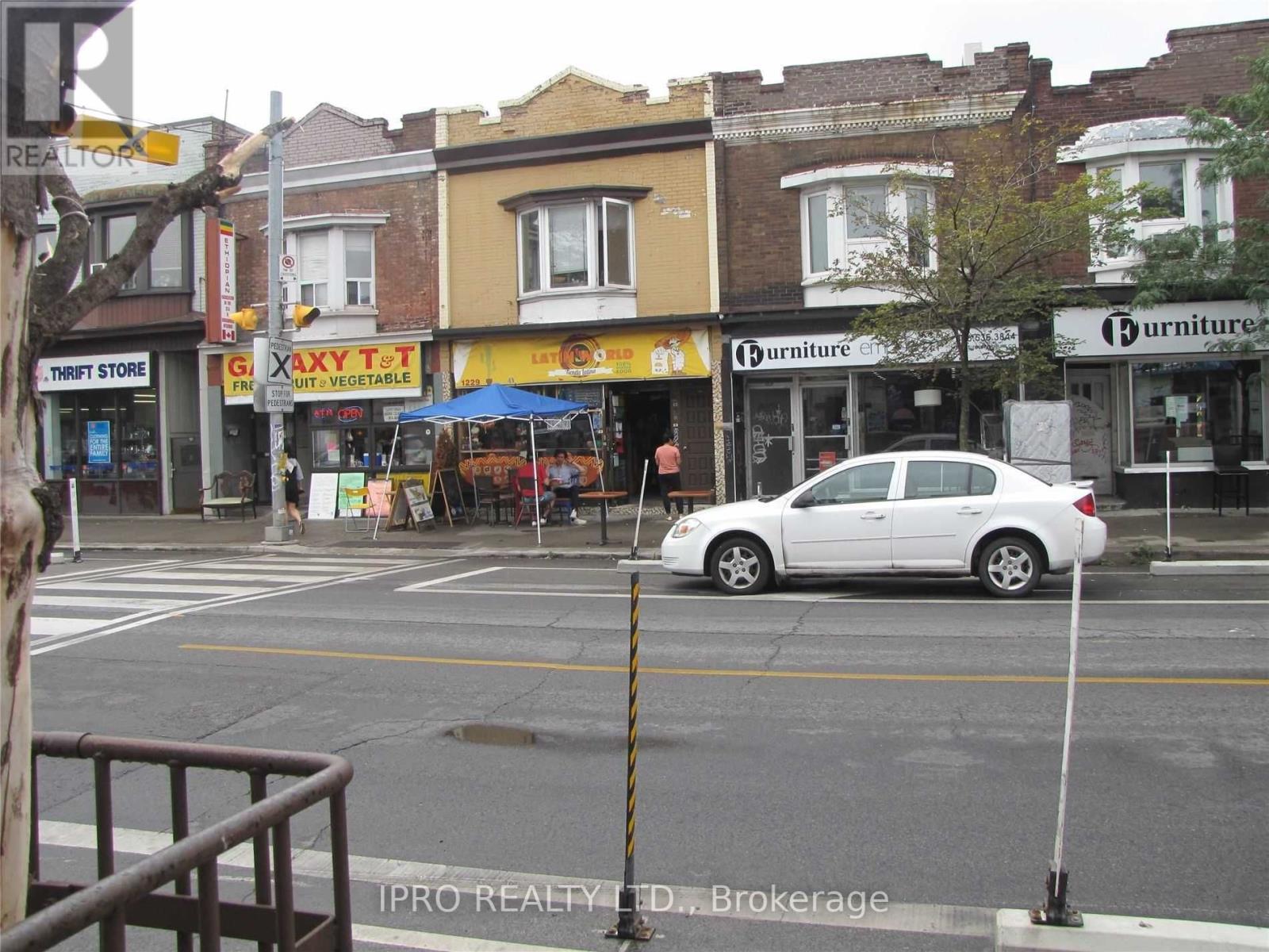 1229 Bloor St W, Toronto, Ontario  M6H 1N6 - Photo 6 - C5320878