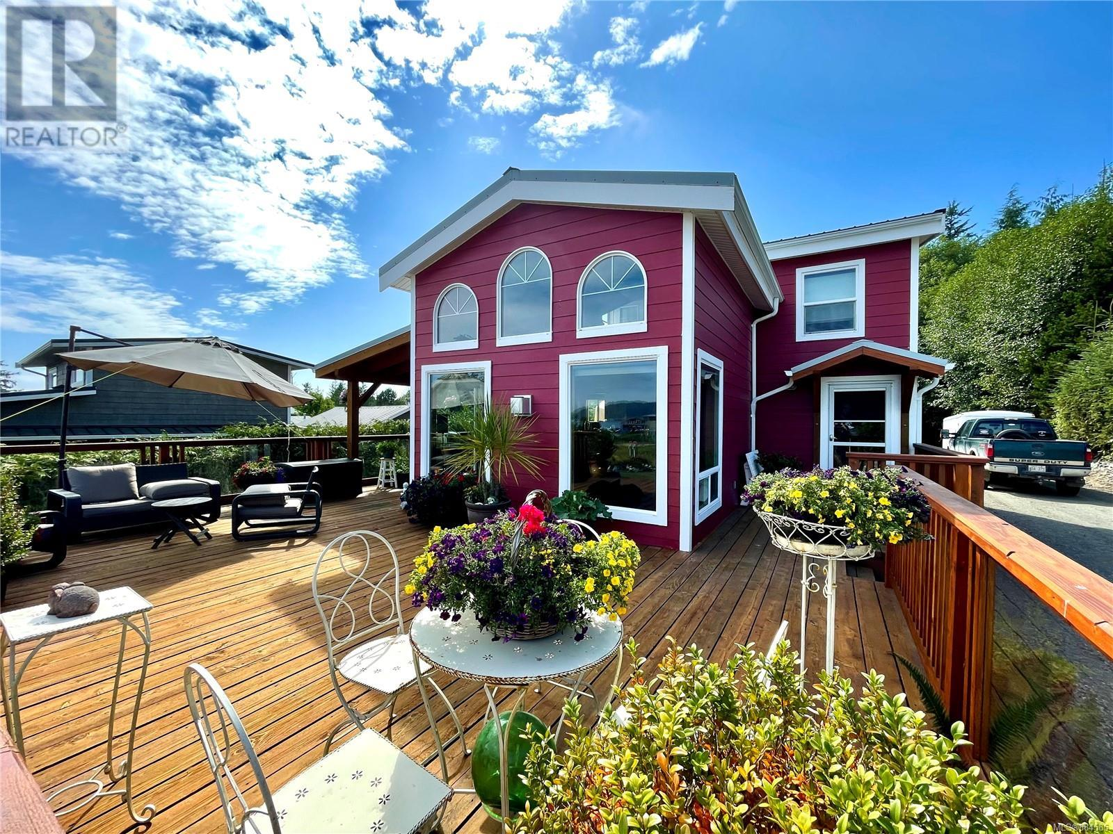 1045 7th Ave, ucluelet, British Columbia
