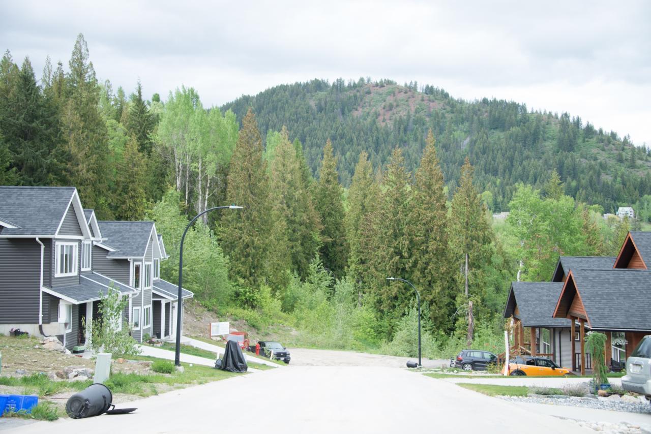 2812 Cedar Crescent, Rossland, British Columbia  V0G 1Y0 - Photo 10 - 2456707