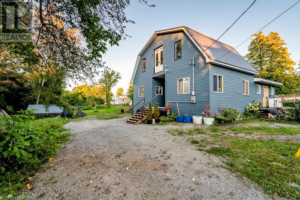 19 Pine Street, Waubaushene, Ontario  L0K 2C0 - Photo 2 - 40160886