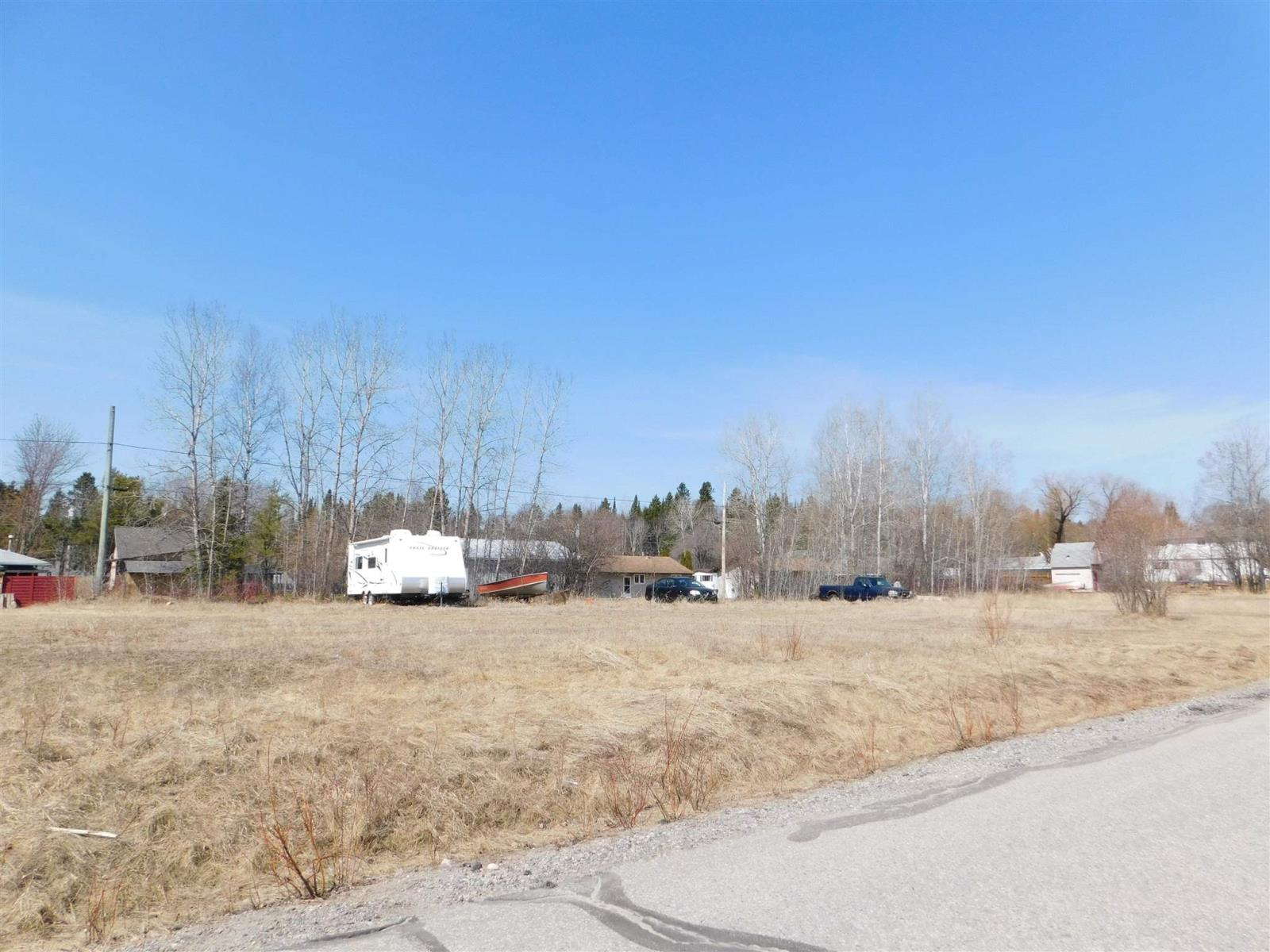 21 Oak St, Ear Falls, Ontario  P0V 1T0 - Photo 2 - TB211109