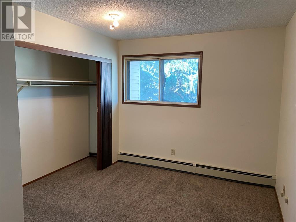 208, 85 Foxbend Crescent N, Lethbridge, Alberta  T1H 5T4 - Photo 7 - A1031158