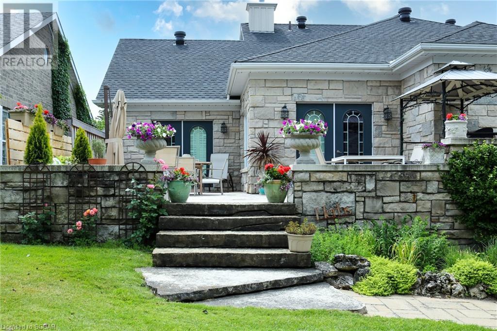 567 Maple Street, Collingwood, Ontario  L9Y 4V1 - Photo 1 - 40156810