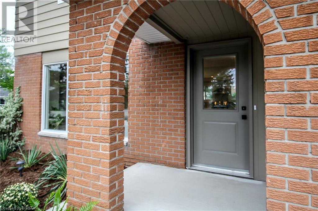 143 Collins Street, Collingwood, Ontario  L9Y 4C9 - Photo 3 - 40158164