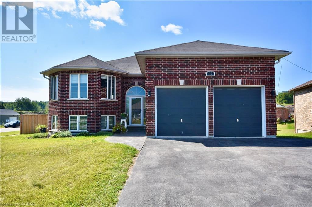 32 St Amant Road, Penetanguishene, Ontario  L9M 0A1 - Photo 1 - 40157663