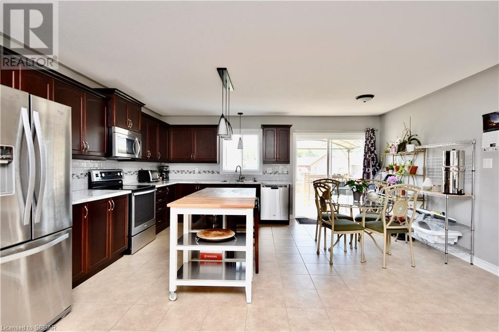 32 St Amant Road, Penetanguishene, Ontario  L9M 0A1 - Photo 8 - 40157663