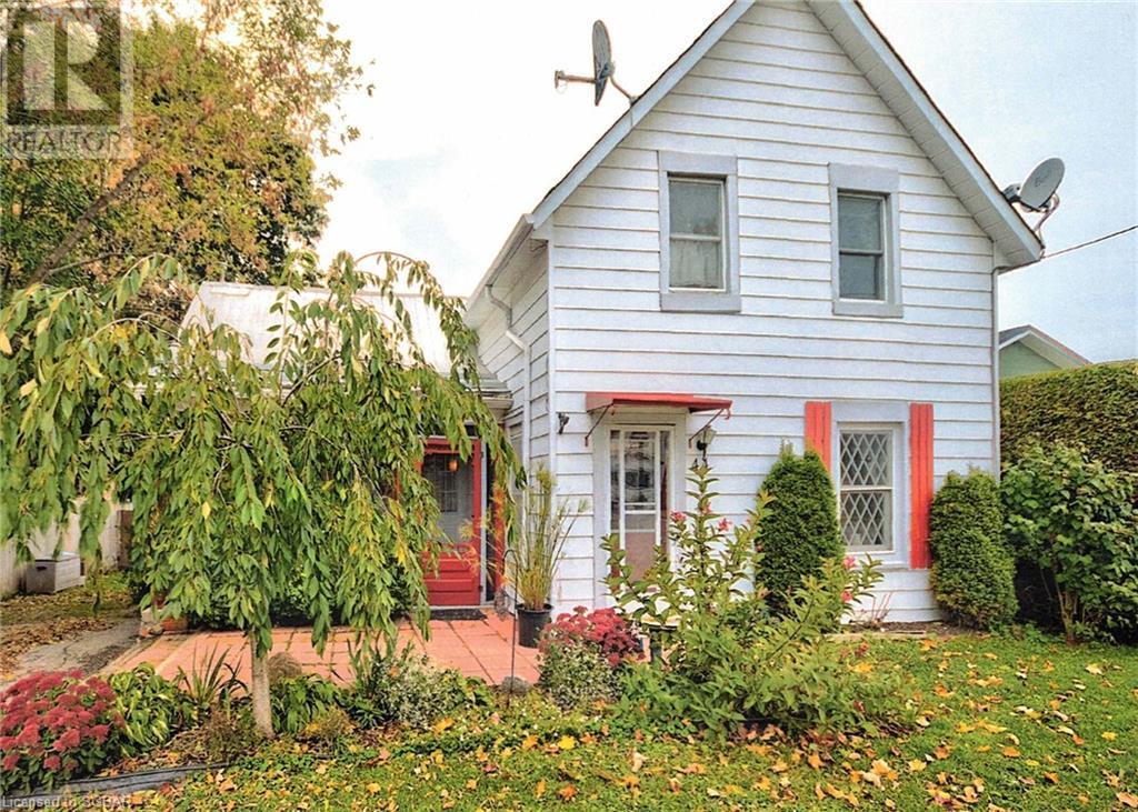 44 Peel Street, Penetanguishene, Ontario  L9M 1B7 - Photo 1 - 40153539