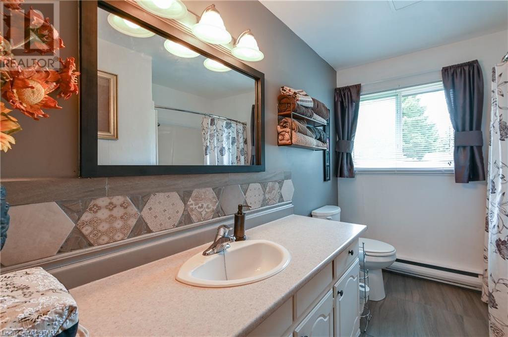 21084 Riverview Drive, Thorndale, Ontario  N0M 2P0 - Photo 19 - 40165783