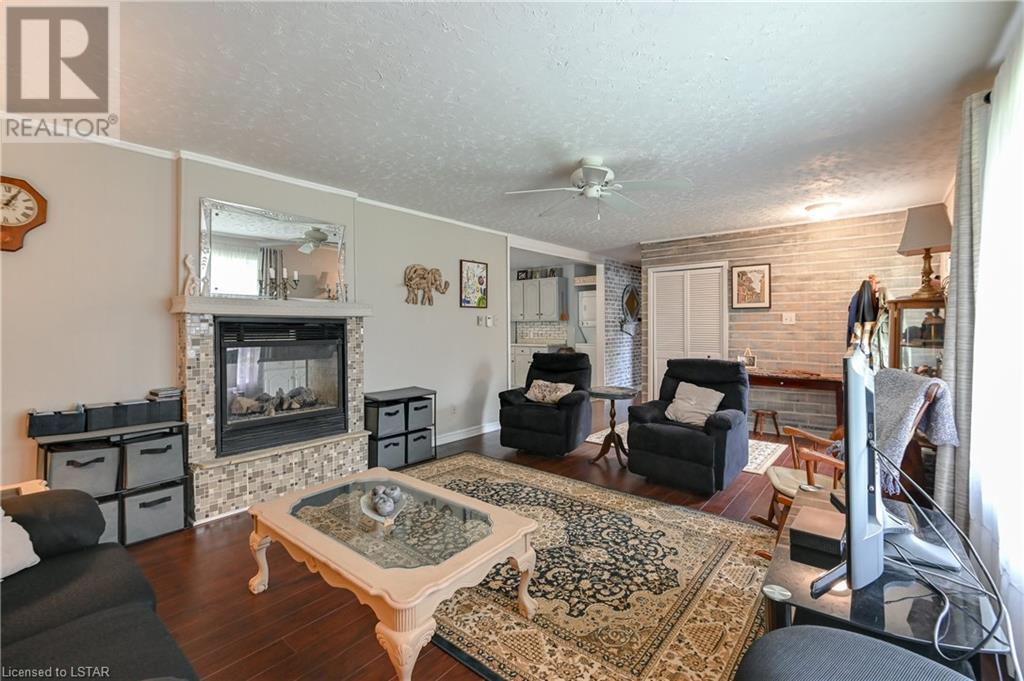 21084 Riverview Drive, Thorndale, Ontario  N0M 2P0 - Photo 6 - 40165783