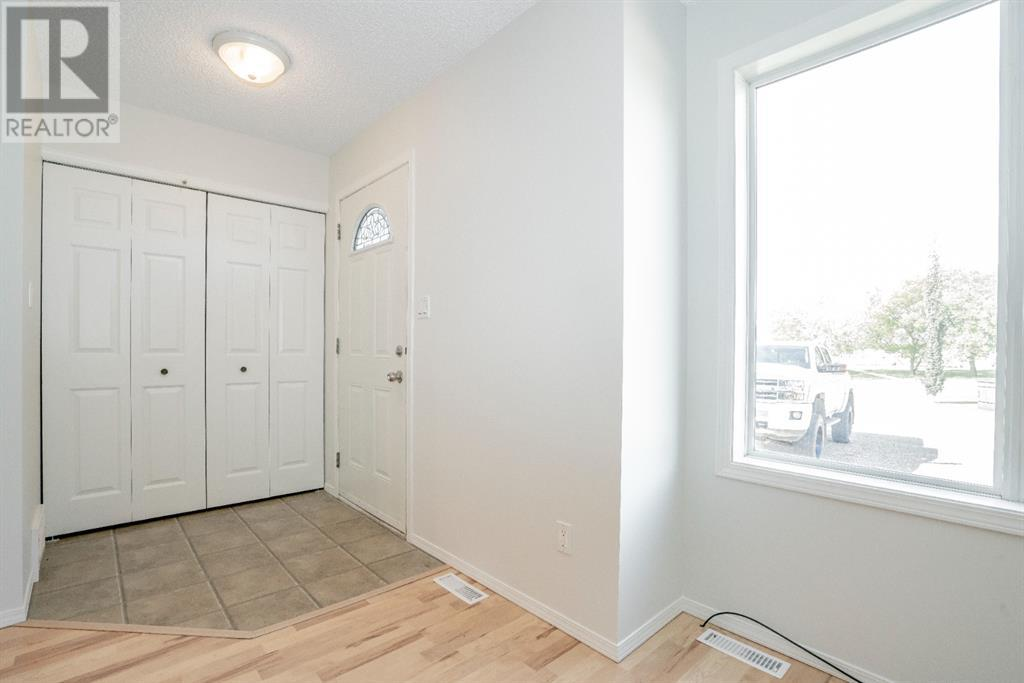 Property Image 3 for #2        4910 50 St