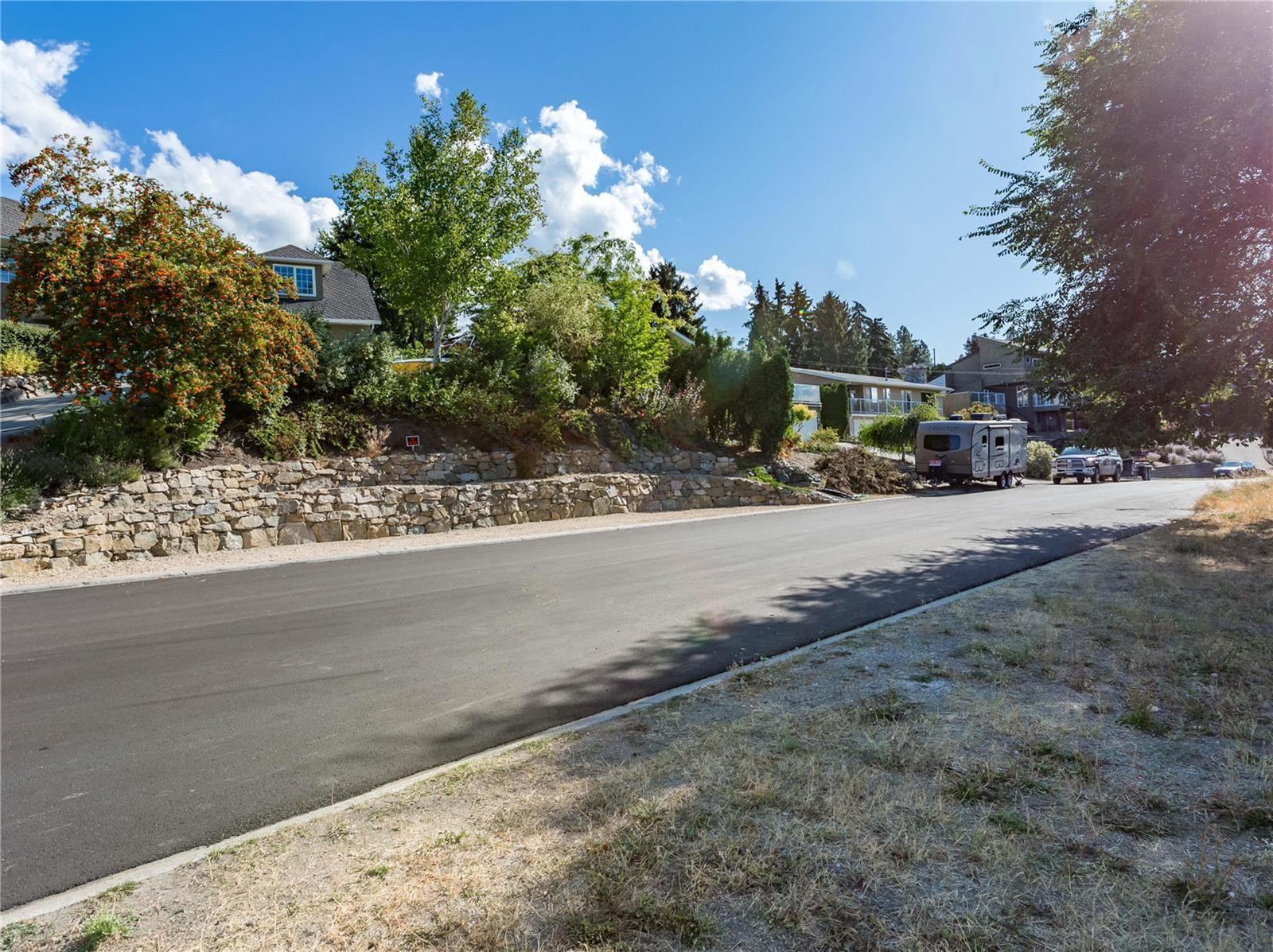 13940 Ponderosa Way,, Coldstream, British Columbia  V1B 1A4 - Photo 14 - 10216769