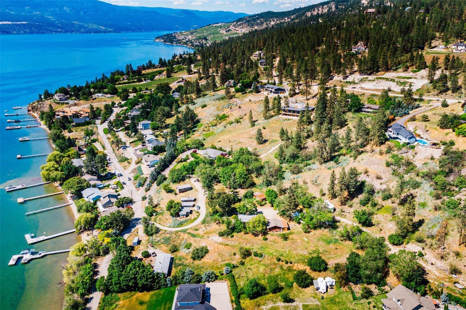 12815 Pixton Road, Sw, Lake Country, British Columbia  V4V 1C9 - Photo 4 - 10236311