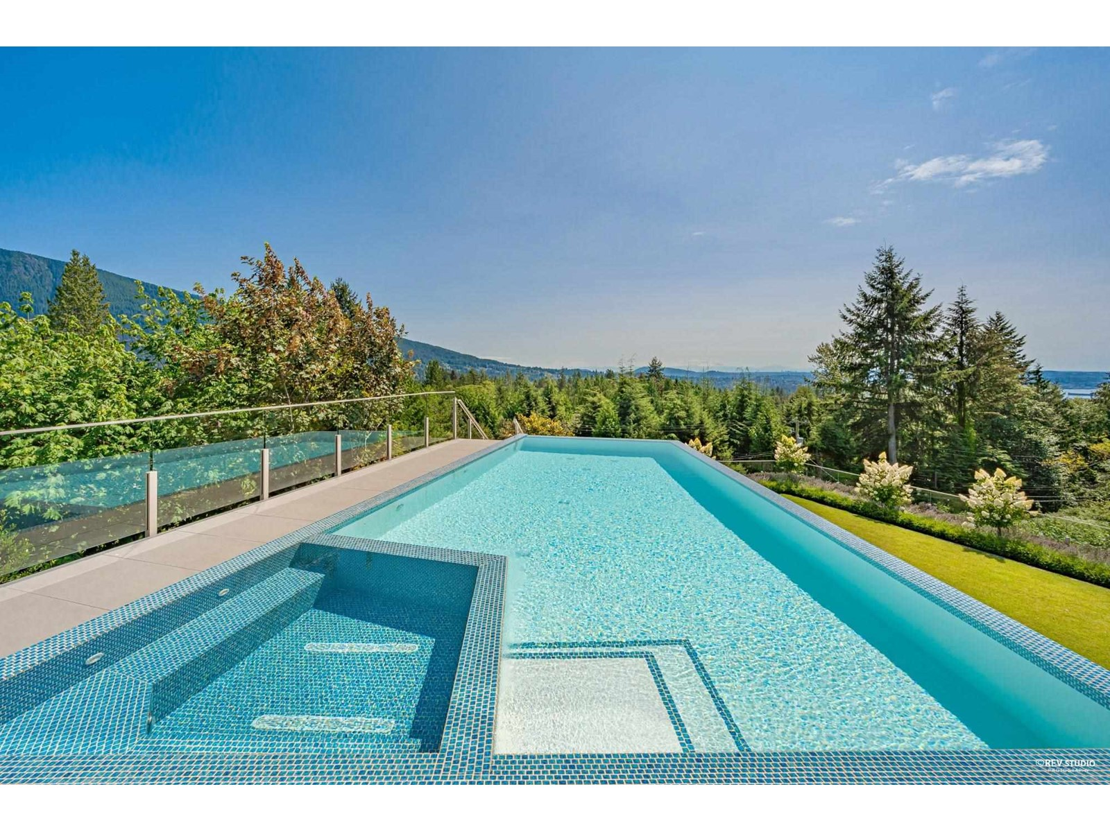 890 Kenwood Road, West Vancouver, British Columbia  V7S 1S9 - Photo 10 - R2606048