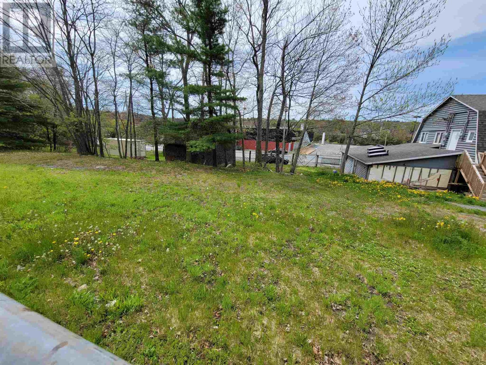 348 Lahave Street, Bridgewater, Nova Scotia  B4V 2V1 - Photo 3 - 202112217