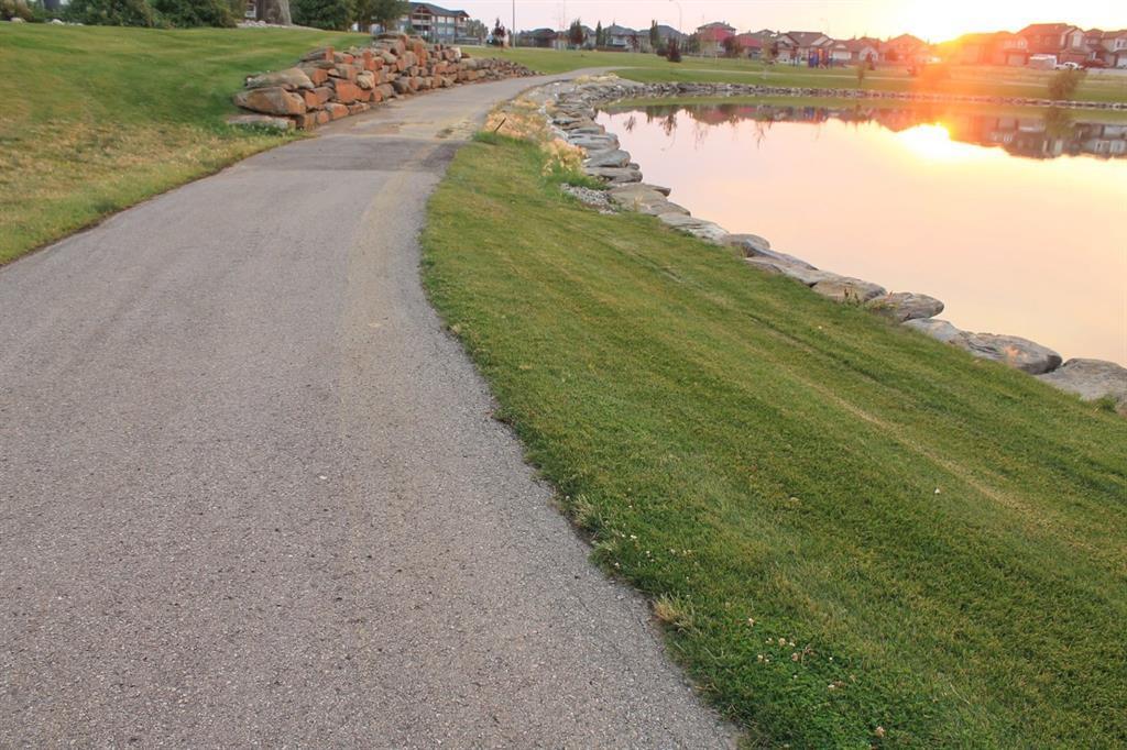 19 Lakes Estates  Circle, Strathmore, Alberta  T1P 0B7 - Photo 6 - A1028408